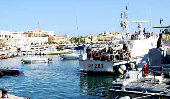 Sbarcano 45 migranti a Lampedusa