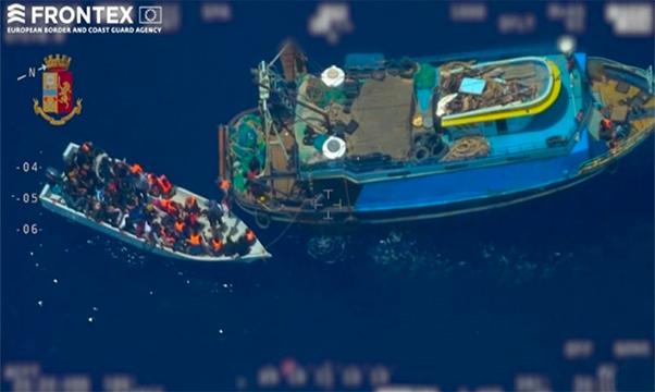 Licata, sequestrata nave madre trafficanti