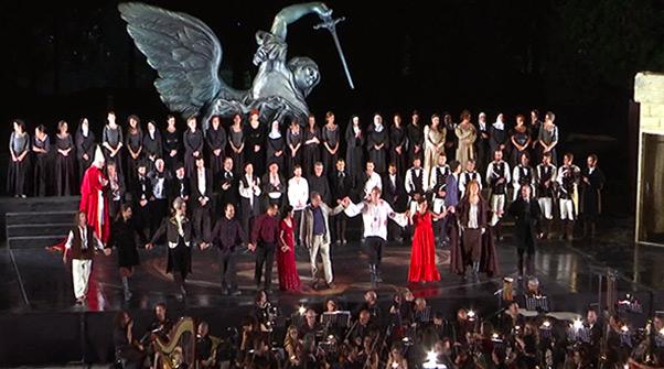 Festival Teatri di Pietra, coro lirico siciliano