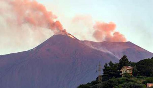 Etna, aperto altro cratere