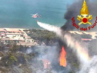 incendio_litorale_plaia_ct_1