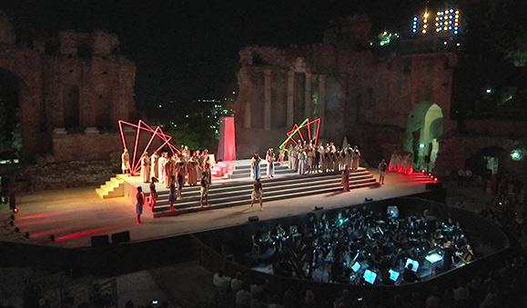 Applausi per Aida a Taormina