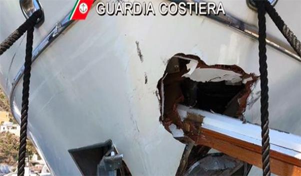 Scontro traghetto yacht alle Eolie, 5 feriti