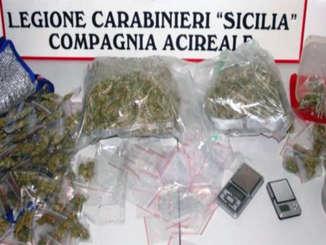 carabinieri_sequestro_droga_scuola_acireale