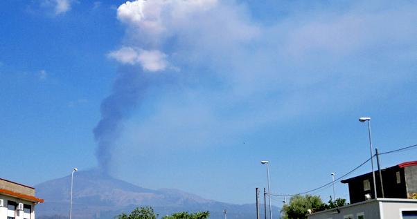 Etna, terremoto 3.3 e disagi in aeroporto