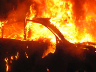 incidente_auto_in_fiamme