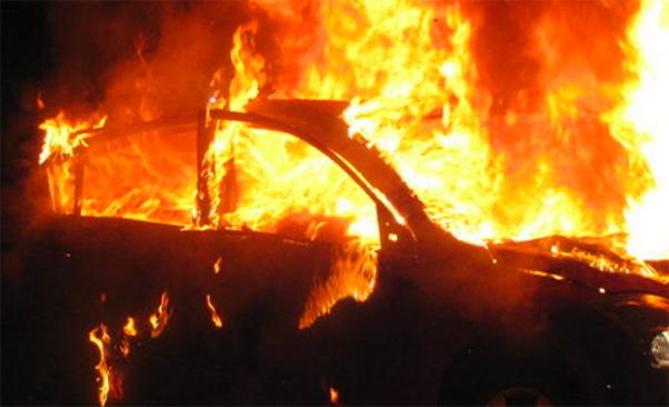 Incidente a Catania, muore tra le fiamme