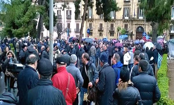 Lavoratori regionali in agitazione