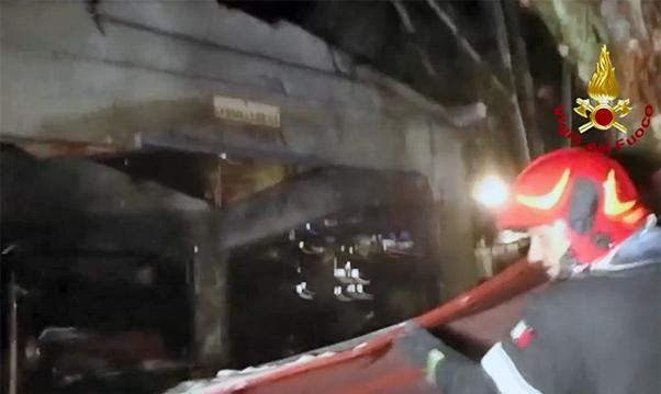 Esplosione deposito, i morti salgono a cinque