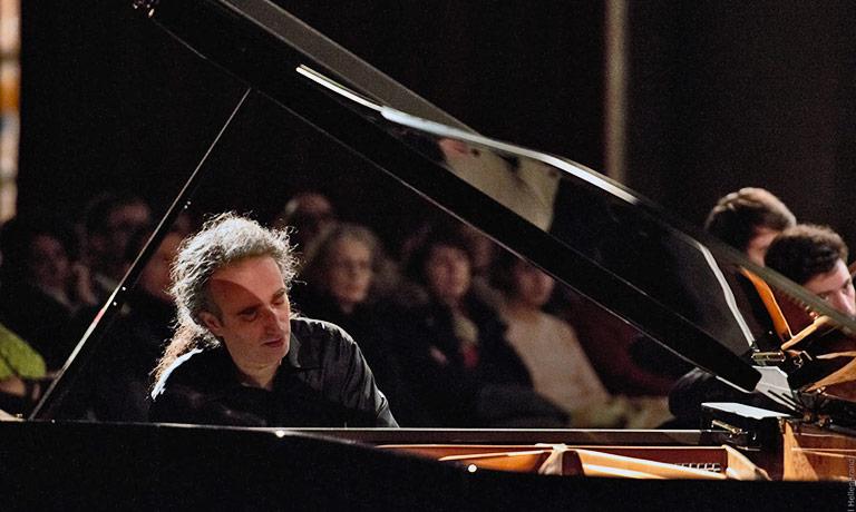Amici della Musica Palermo, Romano al pianoforte conclude la stagione