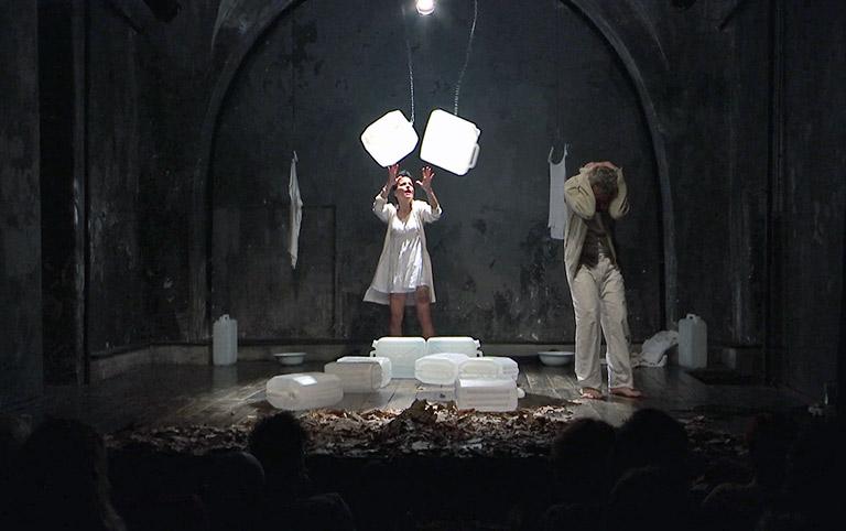 Cicoria e applausi al teatro del Canovaccio - interviste