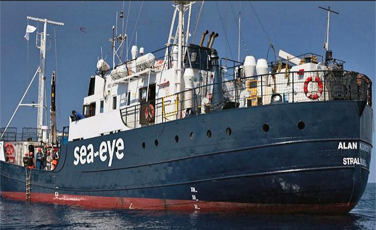 Migranti, Musumeci trova nave per quarantena