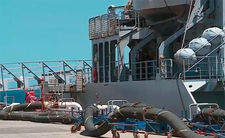 Covid, nave per quarantena migranti
