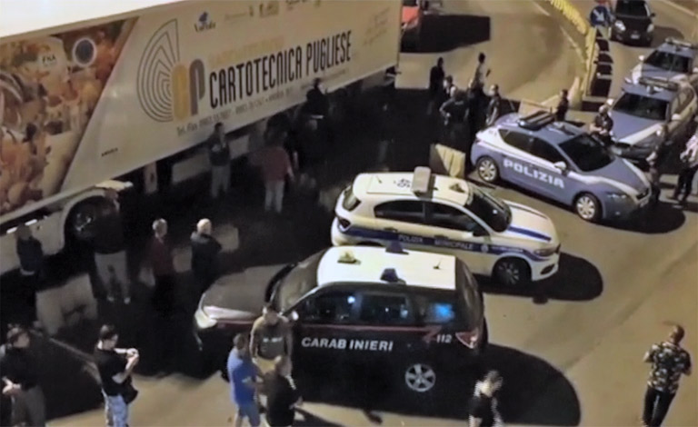 Camionisti bloccano porto Tremestieri.