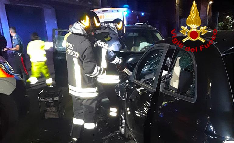 Scontro violento tra auto a Paternò