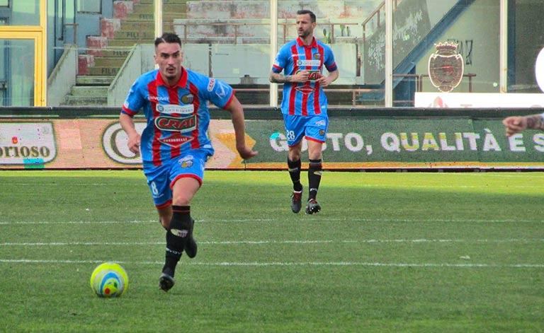 Catania in allenamento, altri calciatori in campo