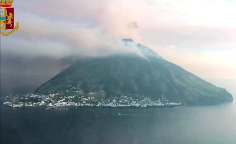 Stromboli si risveglia, paura sull'isola