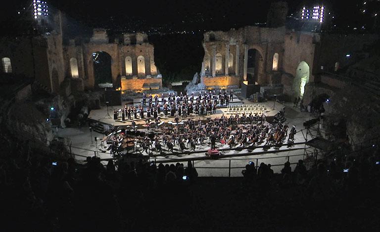 Il fascino dei Carmina Burana a Taormina