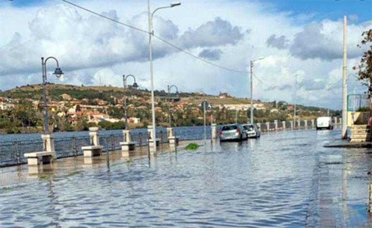 Temporali e violente piogge nel Messinese. forte nubifragio nelle zone tra Ganzirri e Torre Faro che risultano le più colpite.