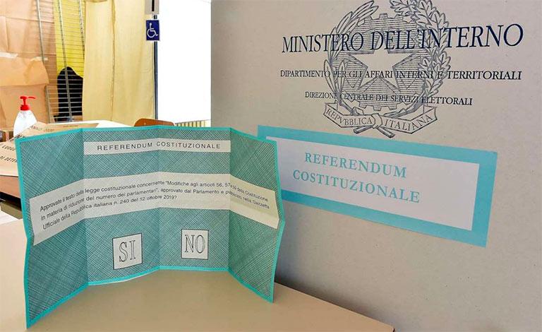 Referendum, urne chiudono alle 15