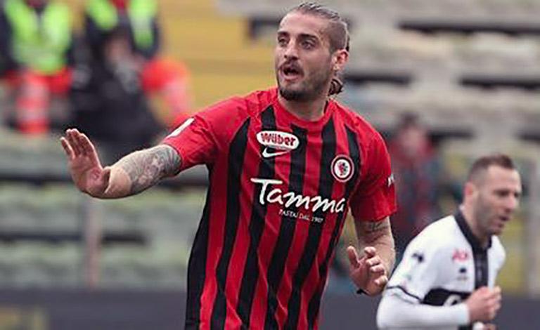 Calcio Catania, Tonucci jolly in difesa