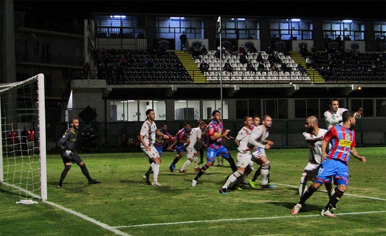 Catania-Ternana 1-3, poca reattività degli etnei