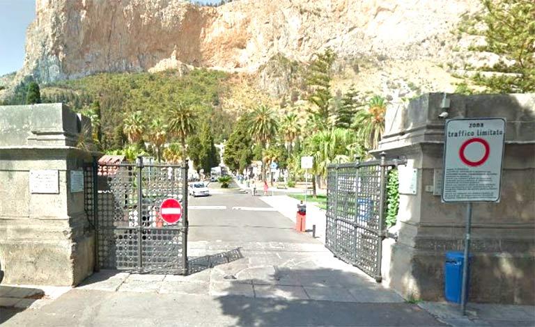 Cimitero dei Rotoli Palermo, arrestato ex direttore