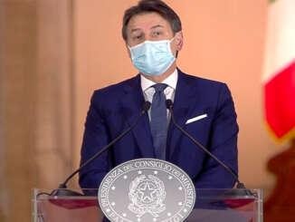 conte_giuseppe_presidente_consiglio_dei_ministri_conferenza_stampa