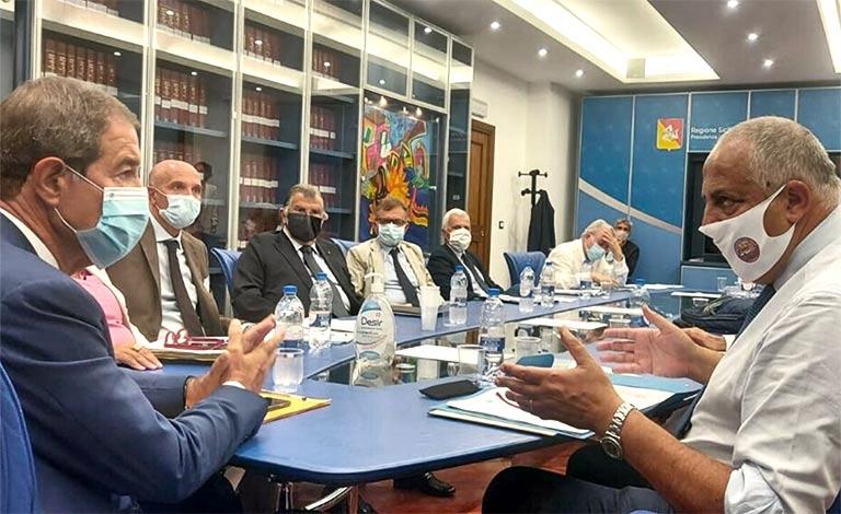 Musumeci firma ordinanza che recepisce Dpcm