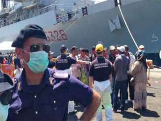 migranti_nave_militare_polizia_3