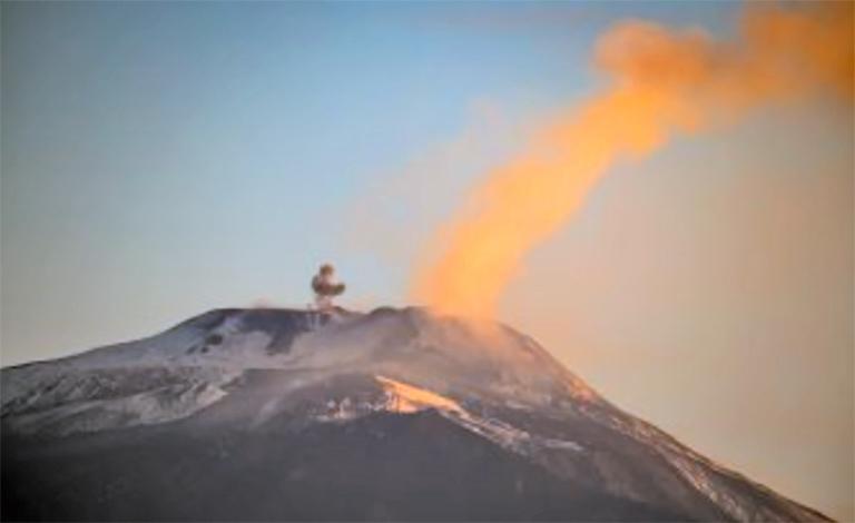 Etna, attivo anche il secondo cratere