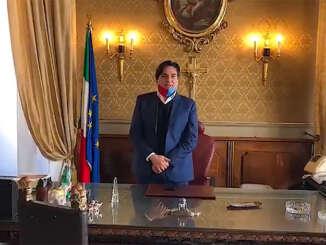 pogliese_salvo_sindaco_catania_stanza_municipio
