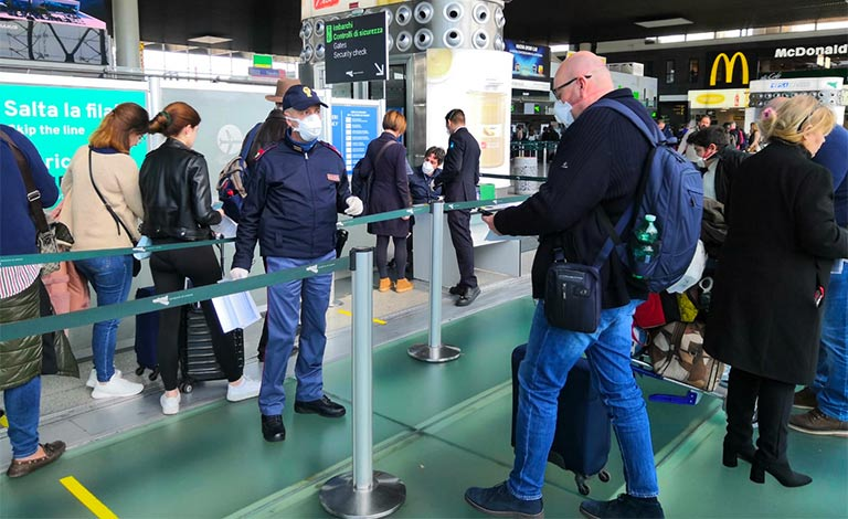 Covid Aeroporto Catania, bloccato positivo