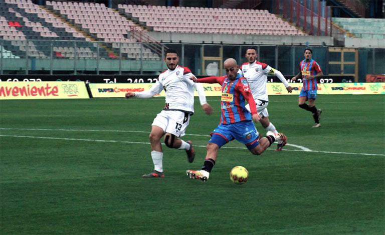 """Catania-Foggia 2-1, Tacopina assiste al """"Massimino"""""""