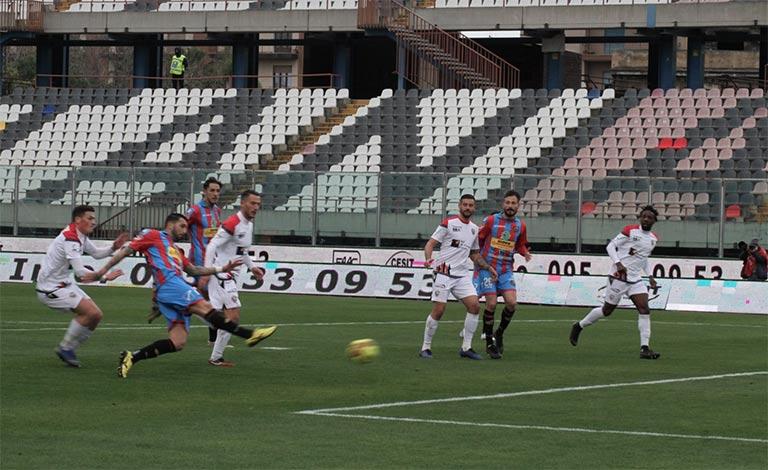 Catania-Foggia 2-1, stadio massimino