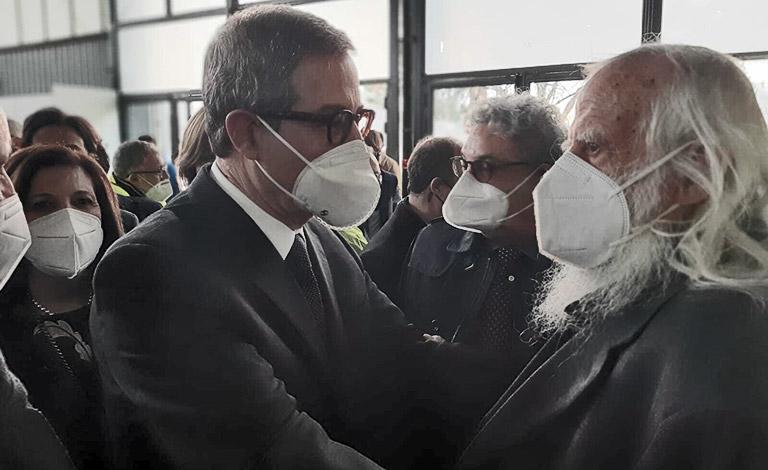 Primo centro vaccini a Palermo – video