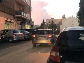 Etna, cenere e lapilli sulle strade sindaci in allerta