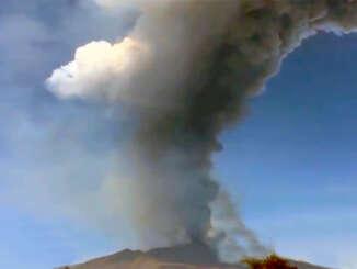 Etna da vita a nuova eruzione piroclastica - video