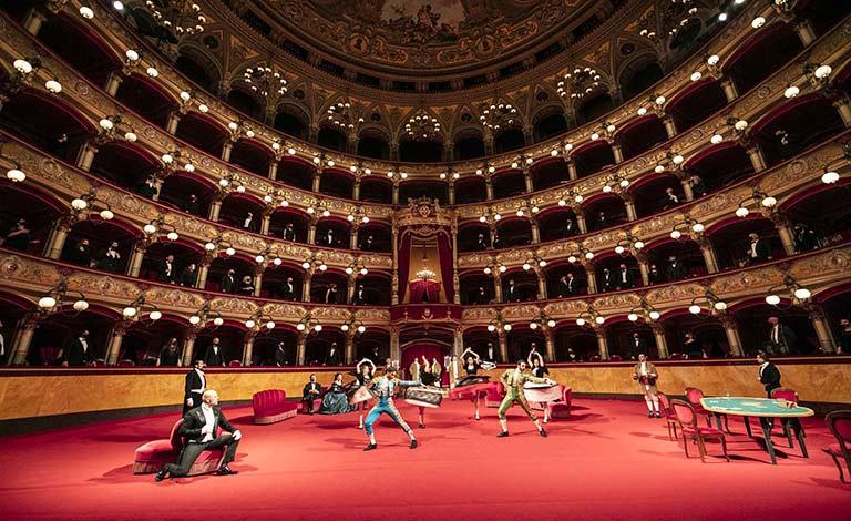La Traviata al Bellini, in prima su Classica tv.