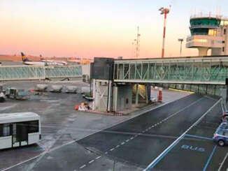 Etna diminuisce attività, aeroporto torna operativo
