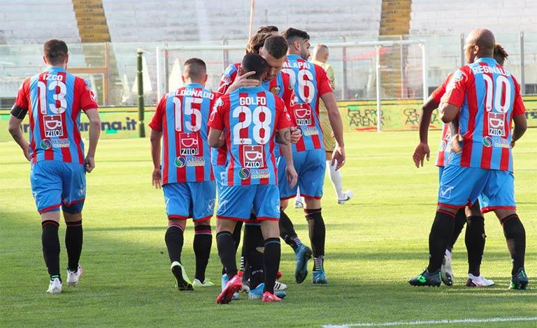 Catania-Casertana 3-0