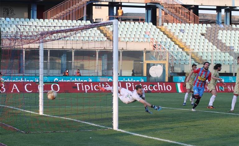 Catania-Casertana 3-0, goal calapai