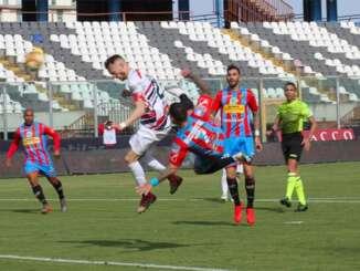 Catania-Potenza 5-2, reazione e rimonta col botto