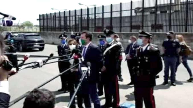 Caso Gregoretti, Salvini prosciolto a Catania