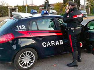 Figlio lo minaccia, si rifugia nella caserma dei carabinieri