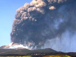 Etna si cheta, restano i problemi legati alla cenere