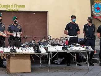 Blitz dei finanzieri della GdF alla fiera di Catania