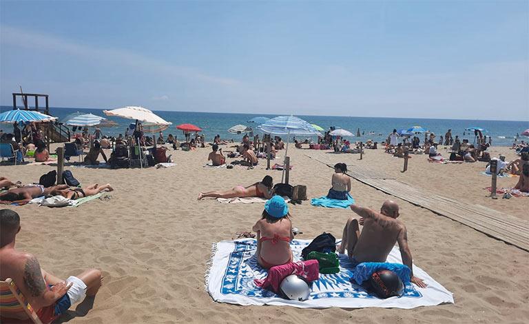 Mare a Catania, aperta la spiaggia libera Stromboli