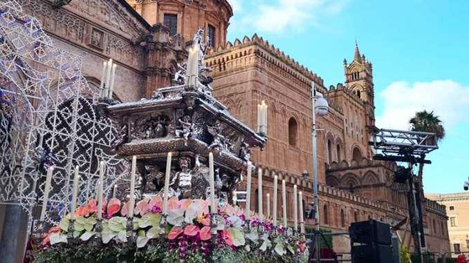 Palermo, tutti devoti a Santa Rosalia
