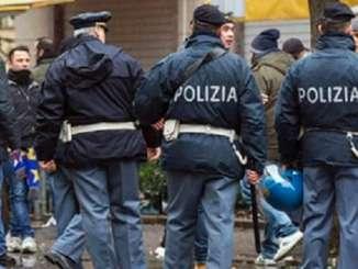 Poliziotto aggredito a Catania in piazza Currò